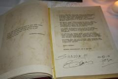 Eintrag-in's-Goldene-Buch-(1)
